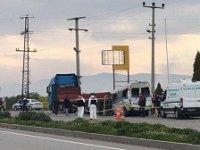 Akhisar'da işçi servisi kaza yaptı: 2 ölü, 8 yaralı