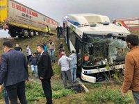 Ankara'da TIR ile EGO otobüsü çarpıştı: 9 Yaralı var