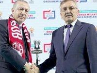 AKP'li ve MHP'li vekillerin oylarıyla Serik'teki '500 bin liralık rüşvet iddiası araştırılsın' önerisi reddedildi