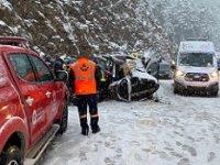 Antalya'da yolcu otobüsü ile ticari araç çarpıştı! 2 Ölü, 5 yaralı