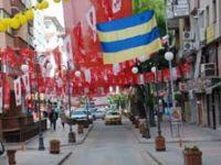 Dağ-taş siyasi bayrakla donandı