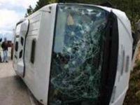 Sungurluda yolcu otobüsü devrildi
