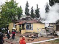 Uşakta yangın: 3ü çocuk 4 ölü