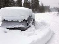 İki ay kar altında arabasında yaşadı