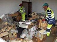 Çöp evden 250 bin tllik altın çıktı