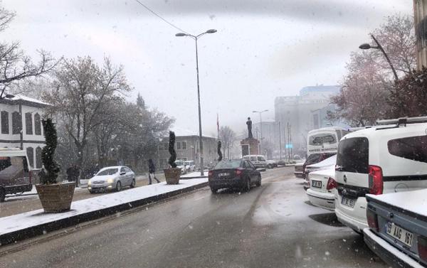 cankiri-kar-yagisi-sehir-merkezi-resim-012.jpg