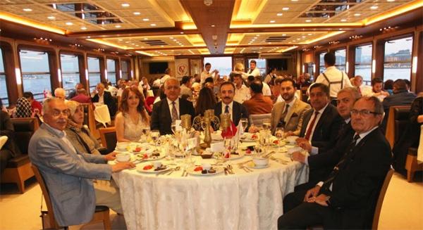 vakif-cankirilar-istanbul-iftar-bogaz-turu-resim-05.jpg